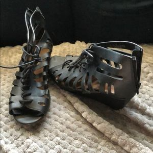 Black small wedge Sandals